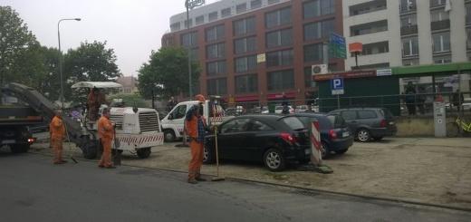 Cześć wjazdu na parking wyremontowano w maju 2015