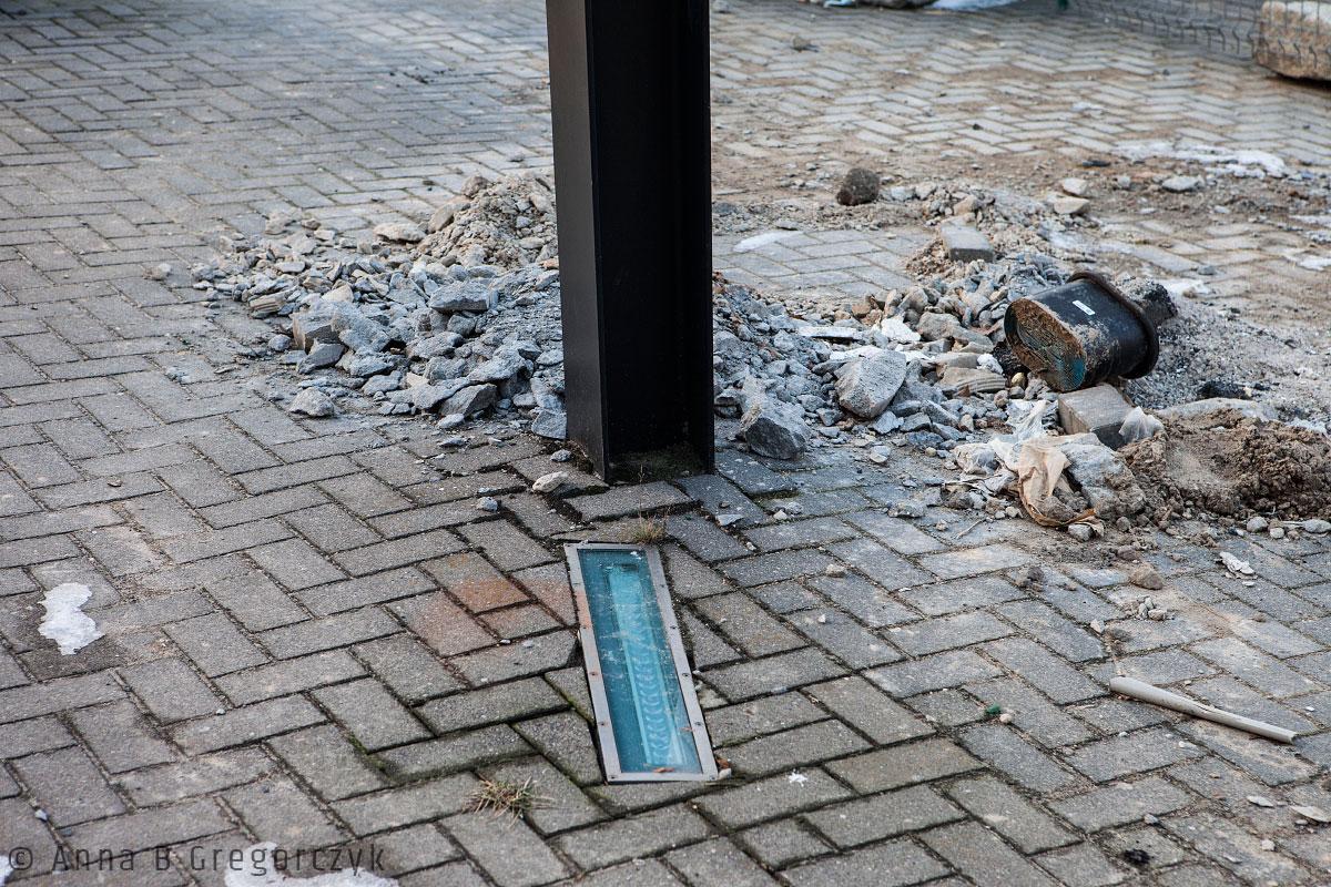 Uszkodzona instalacja prof. Berdyszaka przy Kaponierze