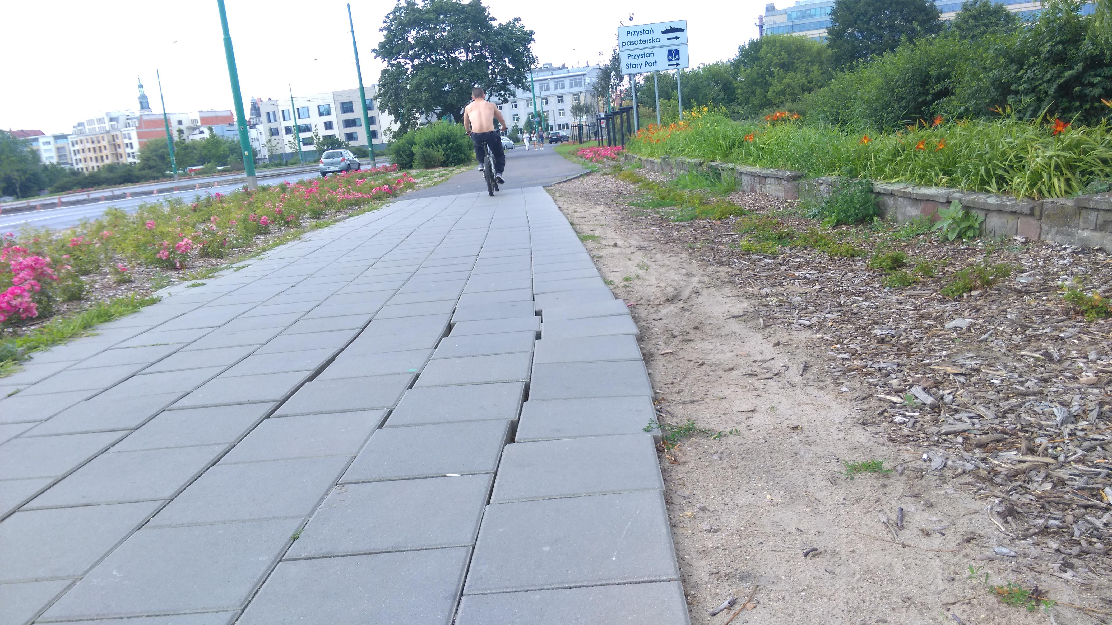 estkowskiego-krzywy-chodnik